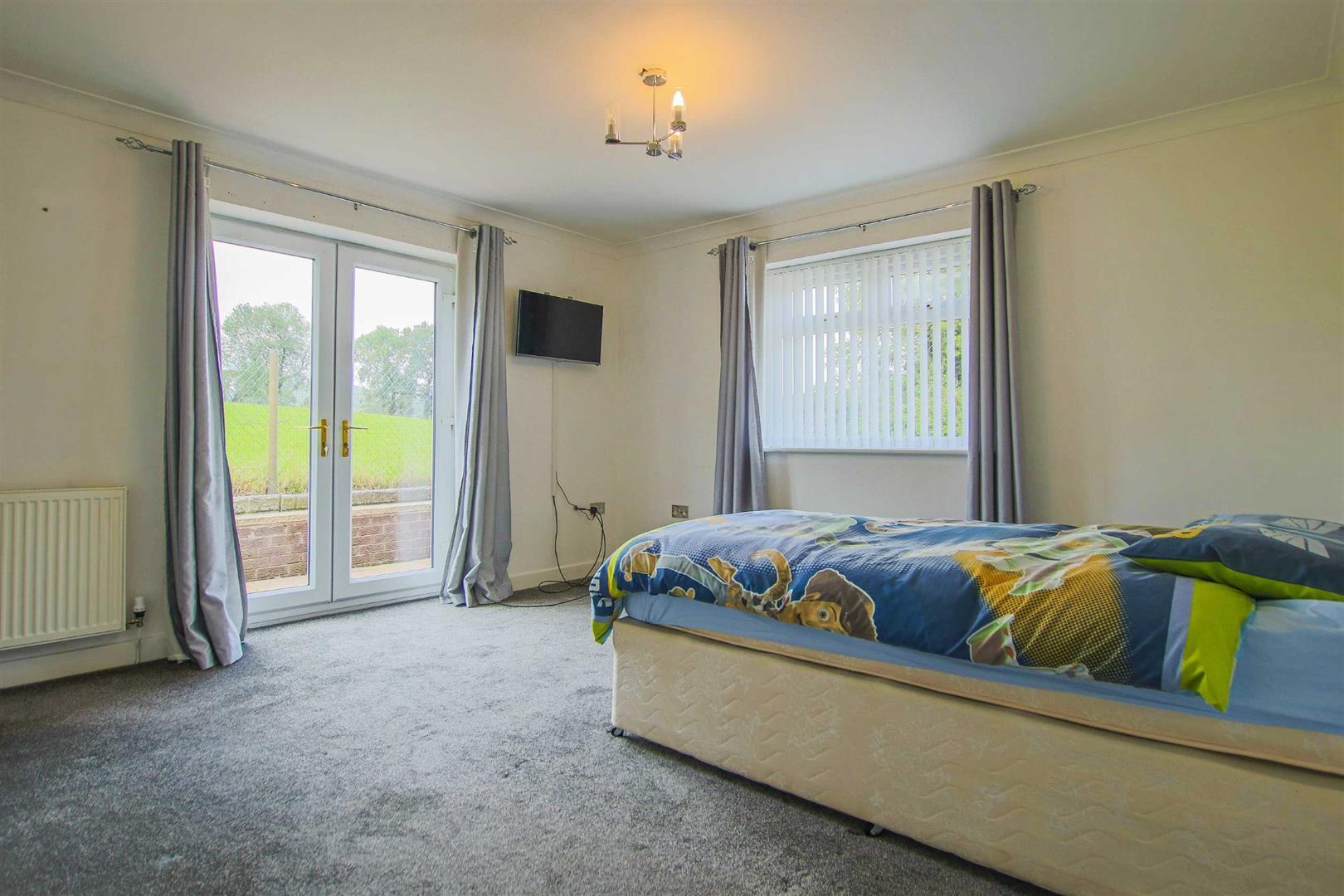 5 Bedroom Detached Bungalow For Sale - Image 10